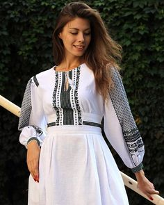 Mexican Embroidered Dress, Embroidered Clothes, Embroidered Blouse, Ethnic Fashion, Indian Fashion, Womens Fashion, Ukraine, Folk Costume, Traditional Dresses