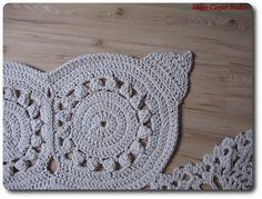 Zima ma sięku końcowi a ja nareszcie mam gdzie dziergać :) Zwykle robię dywany na poddaszu lub w małym pokoju, lecz w styczniu i w lutym p...