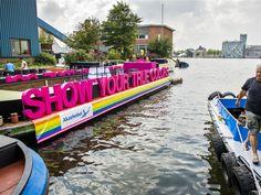 Colorfoam letter op een schip gemonteerd voor een evenement Blog, Fun, Travel, Viajes, Blogging, Destinations, Traveling, Trips, Hilarious