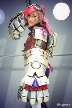VI, League of Legends