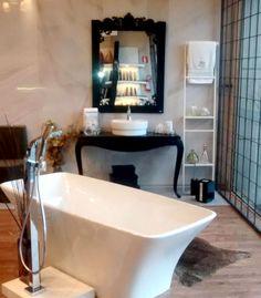 Toalheiro Escada Fit Branco, Aparador Belle Duplo Preto e Espelho Belle - Lançamentos DOKA 2016!