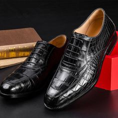 Business Alligator Leather Shoes for Men Genuine Alligator Leather Lace-up Shoes - Daily Fashion Expensive Mens Shoes, Lace Up Shoes, Dress Shoes, Dress Clothes, Snake Skin Shoes, Handmade Leather Shoes, Luxury Shoes, Men Dress, Mens Fashion