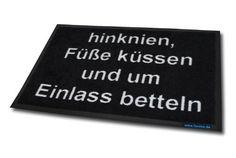 Funice Design Fußmatte - hinknien, Füße küssen und um Einlass betteln, http://www.amazon.de/dp/B002PWHTTQ/ref=cm_sw_r_pi_awdl_8tIGub1GCV6WQ