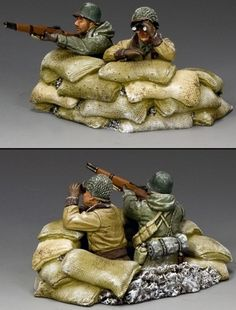 World War II U.S. Battle of the Bulge BBA077 U.S. G.I. Observing the Battle set - Made by King and Country Military Miniatures and Models. Factory made, hand assembled, painted and boxed in a padded decorative box. Excellent gift for the enthusiast.