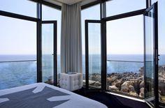 Vue sur l'océan Atlantique depuis une chambre du Farol Design Hotel, Cascais © Farol Design Hotel #momondo #Portugal