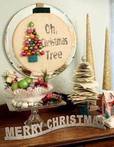52 Mantels: Oh, Christmas Tree Wreath!