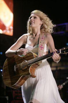 Taylor Swift Photos - 2007 American Music Awards - Zimbio