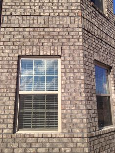 New Exterior House Brick And Stone Cedar Shakes 26 Ideas Brick House Colors, Brick House Designs, Siding Colors For Houses, Brick Design, Exterior House Siding, Best Exterior Paint, Exterior Cladding, Exterior House Colors, Brick Columns
