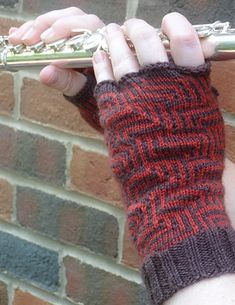 Phalangees fingered gloves by Jodie Gordon Lucas : Knitty Deep Fall 2012