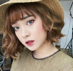 Super Hair Color Korean Make Up Ideas Curled Hairstyles, Girl Hairstyles, Korean Hairstyles, Best Hair Dye, Korean Short Hair, Asian Eye Makeup, Girl Short Hair, Super Hair, Hair Trends