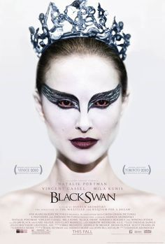 Black Swan is a 2010 American psychological thriller and horror film directed by Darren Aronofsky and starring Natalie Portman, Vincent Cassel, and Mila Kunis. Breathtaking movie and Natalie Portman is just amazing The Black Swan, Black Swan Film, Black Swan Makeup, Black Swan 2010, White Swan, Movie Black, Black White, Winona Ryder, Natalie Portman