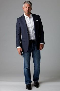 Dark wash jeans are one of the most versatile items of clothing you can own. T… Dark wash jeans are one of the most versatile items of clothing you can own. They can easily go from ultra casual to dressy with just a few… Fashion For Men Over 50, Older Mens Fashion, Mens Fashion Blog, 50 Fashion, Fashion Guide, Fashion Photo, Fashion Ideas, Fashion Rings, Stylish Men Over 50