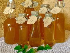 Jar Gifts, Preserves, Herbalism, Christmas Bulbs, Food And Drink, Cooking Recipes, Homemade, Canning, Drinks