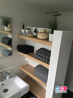 25 Brilliant built-in bathroom shelves and storage .- 25 Brilliant built-in bathroom shelves and storage ideas to keep you stylish – – Source by diealexia - Wood Bathroom, Bathroom Wall Decor, Bathroom Interior, Bathroom Ideas, Bathroom Bath, Bathroom Flooring, Master Bathroom, Bathroom Renovations, Shower Ideas