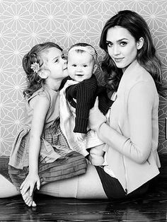 Jessica Alba and Her Two Precious Daughters...One Can Easily See Alba Is A Relaxed and Happy Mom...Beautiful Children, Georgous & Famous Mom....
