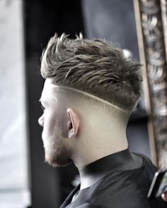 35 Best Men's Textured Haircuts Guide) - 35 Best Men's Textured Haircuts Guide) – Juan Pablo Perez Gonzalez 35 Best Men's Textured Haircuts Guide) Medium Length Textured Hairstyles For Guys – High Fade with Part and Messy Textured Spiky Hair Textured Haircut, Fade Haircut, Textured Hairstyles, Haircut Men, Hairstyles Haircuts, Haircuts For Men, Hair And Beard Styles, Curly Hair Styles, Thin Wavy Hair