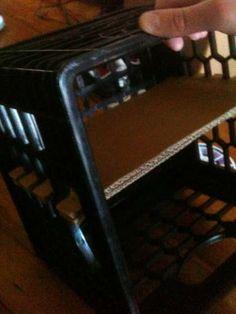 Simple Cardboard Joinery Shelf in a Milk Crate (crate shelves bedroom) Crate And Barrel Desk, Crate Desk, Milk Crate Shelves, Milk Crate Storage Ideas, Coke Crate Ideas, Large Wooden Crates, Milk Crate Furniture, Plastic Milk Crates, Crate Crafts