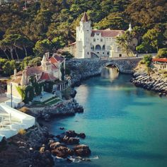 Un peu plus loin: Cascais, Portugal min de train; Visit Portugal, Portugal Travel, Spain And Portugal, Places Around The World, Travel Around The World, Around The Worlds, Algarve, Places To Travel, Places To See