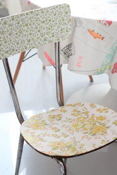 #DIY #Restyle #chair #vintage #wallpaper #tappezzeria #asecondchance