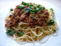 Emel Mutfakta: Spaghetti Bolognese. ( Kıymalı Makarna )