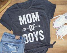 MOM OF BOYS©  Feminine effortless t-shirt trendy tees for