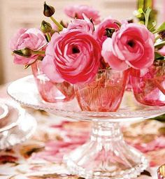 gorgeous pink flowers on cake stand