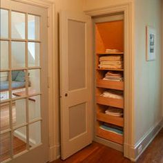 Linen Closet: pull out drawers for storing linnens and sheets