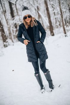 5 Essentials for a Winter Ready Wardrobe (Cella Jane) Snow Outfits For Women, Casual Winter Outfits, Winter Fashion Outfits, Look Fashion, Autumn Winter Fashion, Outfit Winter, Cold Weather Outfits, Winter Jackets Women, Outdoor Outfit