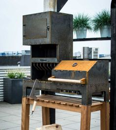 Outdooroven-XL, fireplace and barbeque-grill in one Weltevree - - Are you a real master chef? With the Outdooroven XL your garden or terrace becomes a special extension of your kitchen. Order now Bbq Grill Diy, Grilling, Design Grill, Custom Bbq Smokers, Outdoor Fireplace Designs, Smoke Grill, Smoker Cooking, Wood Burner, Outdoor Cooking