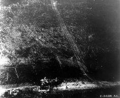 Vue aérienne de matériel allemand détruit pendant la bataille de la poche de Chambois.  En haut : un camion semi-chenillé Maultier V 300S/SS M de Ford (sous réserve)  En bas : deux transports de troupes blindés semi-chenillés SdKfz 251 Ausf. D  Cette photo fait partie d'un reportage de 18 clichés (p011194 à p011211), de qualité médiocre, photos aériennes prises, à basse altitude, le 22 août 1944 au-dessus de la région de Chambois