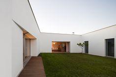 Galeria de Casa Candeias / Carrilho da Graça Arquitectos - 21