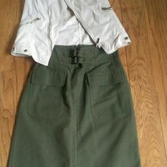 Army Green Skirt Unlined, length is 24 in, wide waist band, pleats in front & back, cotton, used Worthington Skirts