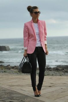 Women love outfits to match with their shoes. Work outfits for example, it can looks good with heels, boots, loafers and many more. But today, we'll focus on a work outfit ideas to pair with loafers. Pink Blazer Outfits, Blazer Outfits For Women, Blazers For Women, Classy Outfits, Chic Outfits, Sweater Outfits, Pink Blazers, Women's Blazers, Blazer Dress