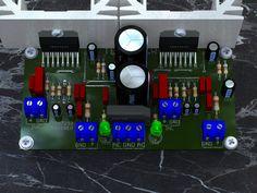 Circuito de amplificador de áudio estéreo com boa potência, utilizando circuito integrado TDA7293 para até 2x 100 Watts. Com sugestão de circuito impresso para montagem do projeto. Inclui fonte de alimentação no próprio circuito, sendo assim só requer um transformador para alimentação. Placa de tamanho compacto mesmo sendo de face simples. Permitindo montar um amplificador de potência compacto e com boa qualidade, ideal para várias aplicações. Sobre o circuito de amplificador de potência…