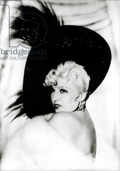 Happy Birthday to Mae West (1893-1980) (b/w photo) / Private Collection, Roger-Viollet, Paris