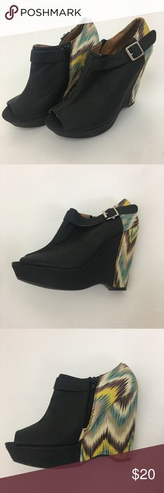 """Qupid wedge heels These are so great! Cute with black skinnies.  4.75"""" heel. 1.25"""" platform. Good preowned condition.  Item 2533 Qupid Shoes Platforms"""