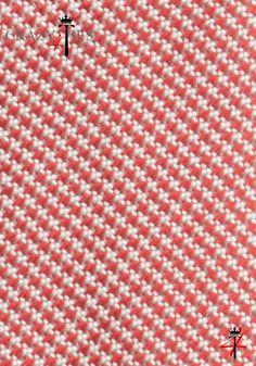 Particolare Tessuto Cravatta Pied de Poule in Seta Jacquard Rossa e Bianca