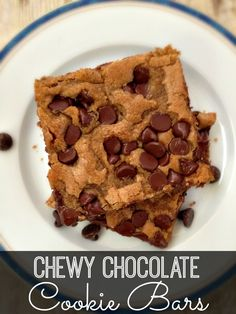 chocolate chip cookie bars - looks delicious!