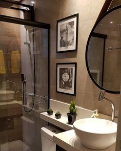 Banheiro simples: 110 propostas para aproveitar o que você já tem Bathroom Design Luxury, Bathroom Design Small, Bathroom Layout, Simple Bathroom, Modern Bathroom, Home Interior Design, Bad Inspiration, Bathroom Inspiration, Apartment Interior