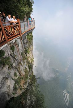Terrifying 4,600ft Glass Walkway Opens In China, And Just Looking At The Pics Will Give You Vertigo