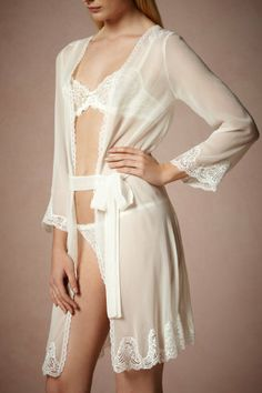 Perfect bridal robe to get ready in!!