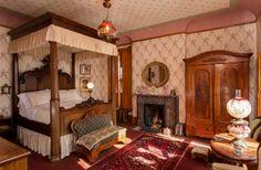 Allyn Mansion Bed and Breakfast in Delavan, Wisconsin | B&B Rental
