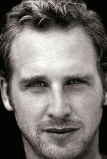 Josh Lucas...every time I see this mans face I think of my all time favorite movie... SWEET HOME ALABAMA