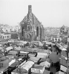 Der Nürnberger Christkindlesmarkt 1948. Die Zerstörung durch den 2. Weltkrieg sind noch sehr deutlich zu erkennen.