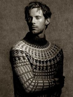 Decorialab knitwear Studio www.decorialab.com — rodeoknits: Luke Treadaway for Pringle of...