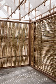 Students build woven pavilion to shade archaeologists in Peru Bamboo Architecture, Interior Architecture, Ideas Cabaña, Bamboo House Design, African House, Bamboo Structure, Balustrades, Bamboo Wall, Bamboo Panels