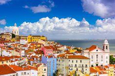 Lisboa: 48 horas en sus barrios de moda | via Condé Nast Traveler España | 10/06/2016 Acepta el desafío: recorre con nosotros la #Lisboa de siempre pero también la nueva y vibrante versión de una ciudad en plena ebullición. ¿Preparado? #Portugal