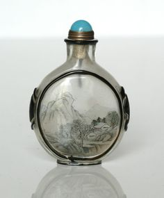 A CHINESE INSIDE PAINTED GLASS OVERLAY SNUFF BOTTLE, 19TH/20TH CENTURY