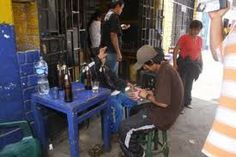 AREQUIPA. Hoy fue promulgada ley para cerrar bares y cantinas que no cuenten con licencia de funcionamiento http://hbanoticias.com/7435
