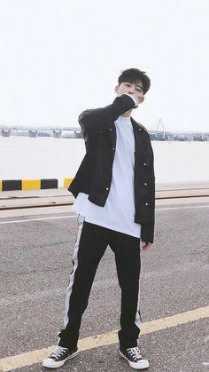 Yg Ikon, Kim Hanbin Ikon, Ikon Kpop, Chanwoo Ikon, Ikon Instagram, Pop Bands, K Pop, Yg Groups, Ikon Leader